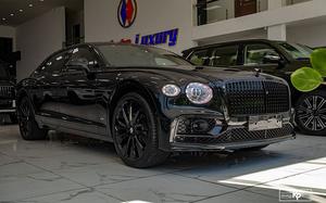 Cận cảnh Bentley Flying Spur Black Edition hơn 20 tỷ tại Hà Nội