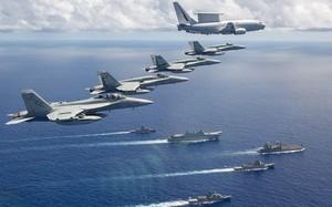 Lợi hại của việc phối hợp máy bay - tàu nổi trong tác chiến hải quân
