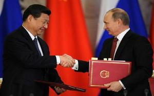 """Nga liên tục """"dính đòn"""" của Trung Quốc"""