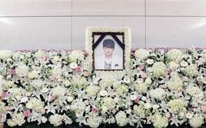 Lễ tang lặng lẽ của em trai Ha Ji Won vừa qua đời vì tự tử