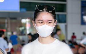 Á hậu Thuỳ Dung lộ mặt bị thuỷ đậu tại sân bay về VN