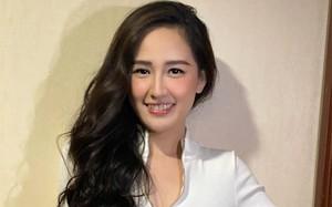 Hoa hậu Mai Phương Thúy mặc gợi cảm khoe eo thon
