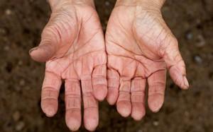 """9 bộ phận cơ thể lão hóa sớm nhất """"tố"""" tuổi tác thật của bạn"""