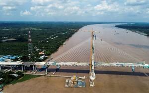 Cầu dây văng 3.000 tỷ nối hai bờ sông Tiền