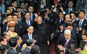 Video: Ông Kim Jong-un vẫy tay chào Việt Nam, lên tàu về nước