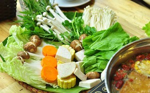 Đừng tưởng ăn rau là tốt: Ăn cách này hại nội tạng, dễ ngộ độc