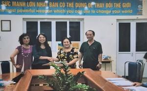 Vụ Cty TDS - Trường Newton: Đối chất về hình ảnh bà Phương - Dung bắt tay ký hợp đồng