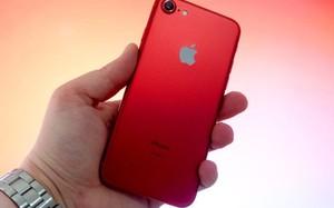 Máy xách tay đời cũ giảm giá sâu, iPhone 7 còn 6 triệu đồng