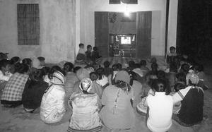 Hóa ra tivi đen trắng từng khiến mọi nhà mê mệt như thế này