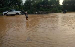 """Lại """"vỡ"""" đường ống dẫn nước sông Đà, dân Hà Nội bị cắt nước"""