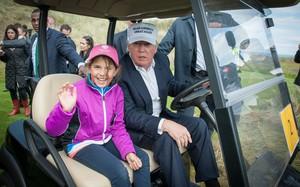 Cuộc sống nhiều đặc quyền của cháu gái ông Trump
