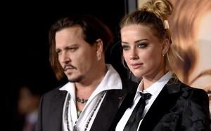 Johnny Depp công bố ảnh thương tích đầy người vì bị vợ cũ đánh