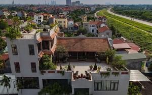 Cận cảnh nhà cổ hơn 100 tuổi trên tầng thượng ngôi biệt thự