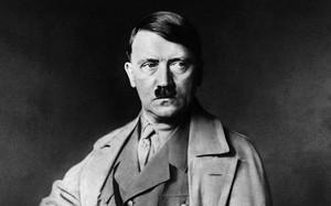 Khó giải những lời đồn trùm phát xít Hitler giả chết