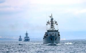 Máy bay Nga khai hỏa, thủy thủ trên tàu chiến Anh sợ hãi tột cùng