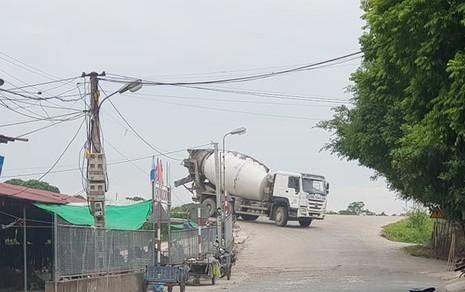 Bê tông Thăng Long ngang nhiên chạy xe quá tải: Vì sao khó xử lý?
