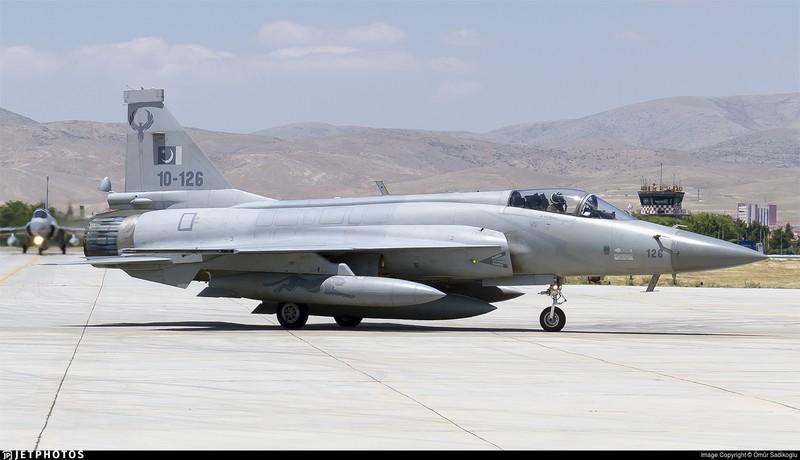 Azerbaijan muốn dùng tiêm kích Trung Quốc đối phó Su-30SM Armenia?