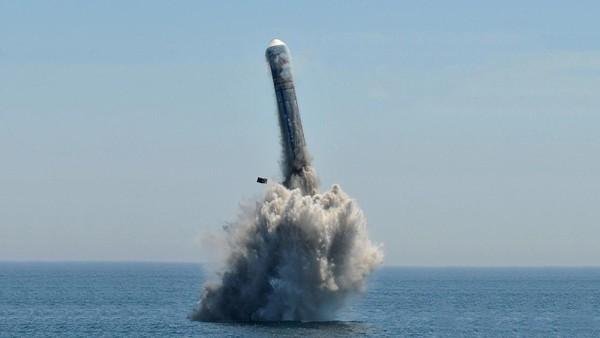 Hải quân Trung Quốc không thể vượt qua lời nguyền địa lý