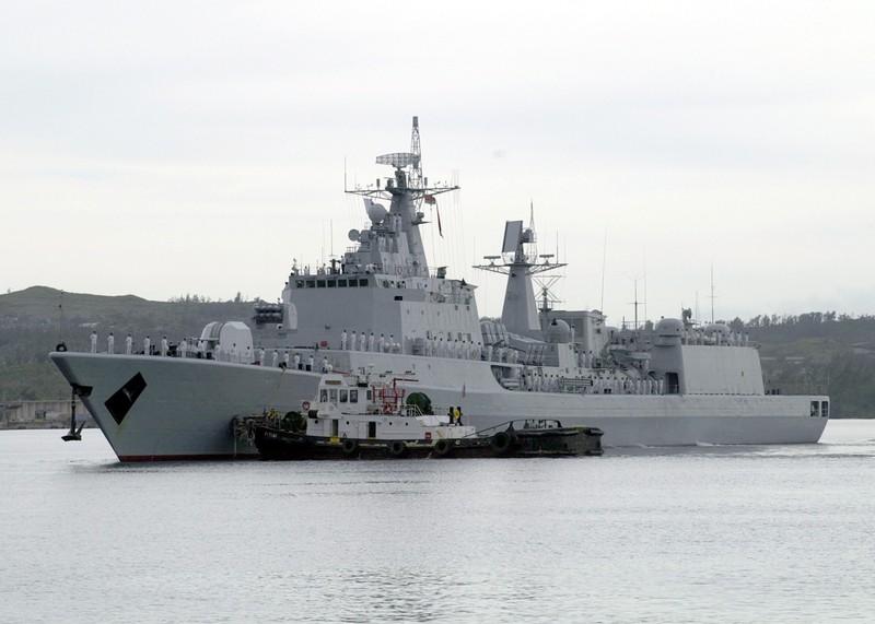 Trung Quốc và Iran đua nhau lắp giếng phóng cho tàu chiến cũ