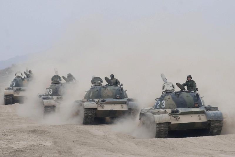 Xe tăng Trung Quốc: Chỉ đông nhưng chưa chắc đã mạnh!