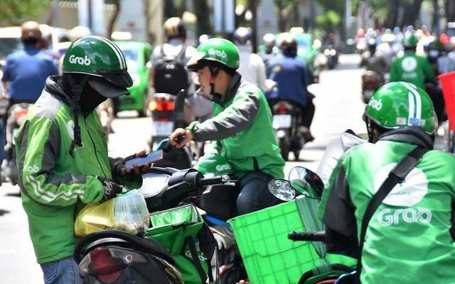 Ngừng dịch vụ gọi xe công nghệ, giao đồ ăn tại Hà Nội
