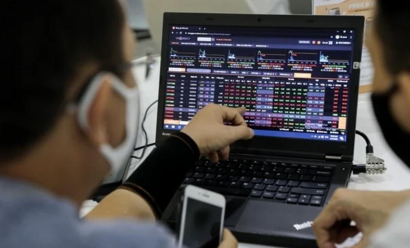 Cổ phiếu ngân hàng bứt phá trong phiên VN-Index giảm 9 điểm