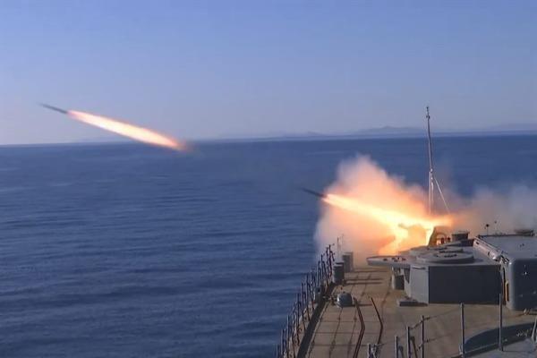 Khu trục hạm Nga bắn đạn thật, chuẩn bị cho kịch bản tồi tệ
