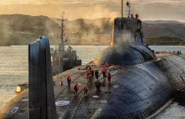 Tiếc nuối hai tàu ngầm to bằng tàu sân bay Nga sắp loại biên