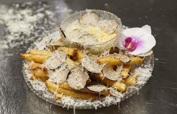 Món ăn đắt đỏ kỷ lục, đĩa khoai tây chiên bé tẹo có giá tiền triệu