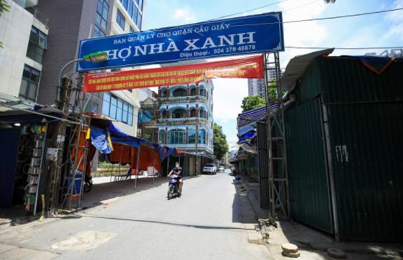 Cảnh tượng lạ chưa từng thấy tại siêu chợ sinh viên lớn nhất Hà Nội