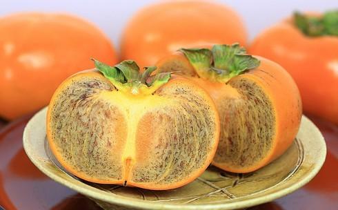 Loai hong Nhat co gia tien trieu nhung van chay hang: Gia tri dinh duong ra sao?