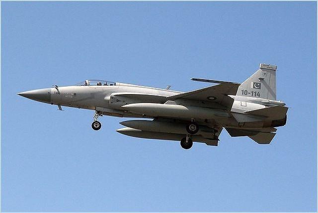Trung Quoc ban tiem kich JF-17 Thunder cho Myanmar voi gia re khong tuong-Hinh-14
