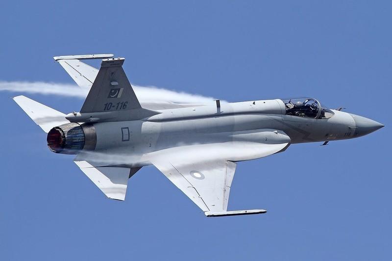 Trung Quoc ban tiem kich JF-17 Thunder cho Myanmar voi gia re khong tuong-Hinh-15