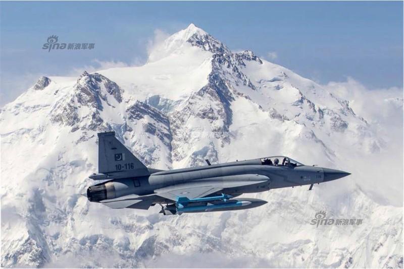 Trung Quoc ban tiem kich JF-17 Thunder cho Myanmar voi gia re khong tuong-Hinh-6