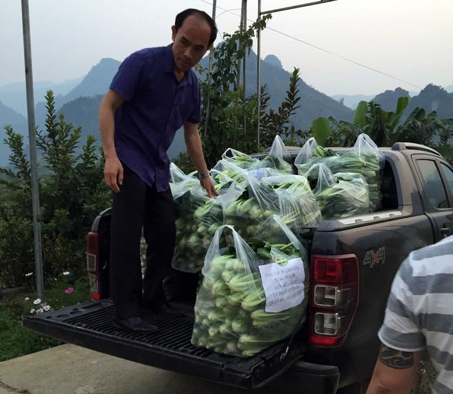 Nguoi dan ong Lai Chau gui 2 tan rau ung ho nguoi dan khu cach ly Ha Noi-Hinh-3