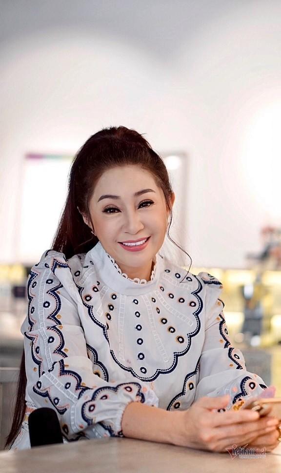 Doi truan chuyen, tuoi 50 khong chong con cua Thoai My-Hinh-10