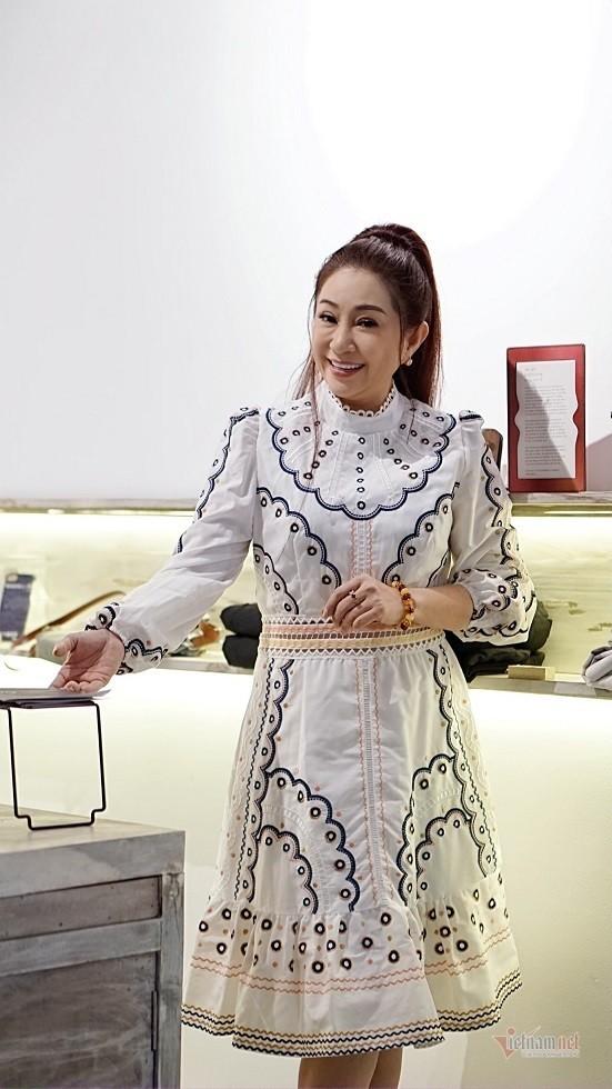 Doi truan chuyen, tuoi 50 khong chong con cua Thoai My-Hinh-3