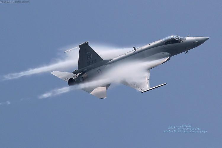 Duoc Nga giup nang cap dong co, JF-17 Trung Quoc se het e am?-Hinh-11
