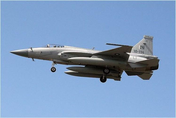 Duoc Nga giup nang cap dong co, JF-17 Trung Quoc se het e am?-Hinh-14