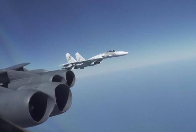 Can canh Su-27 Nga