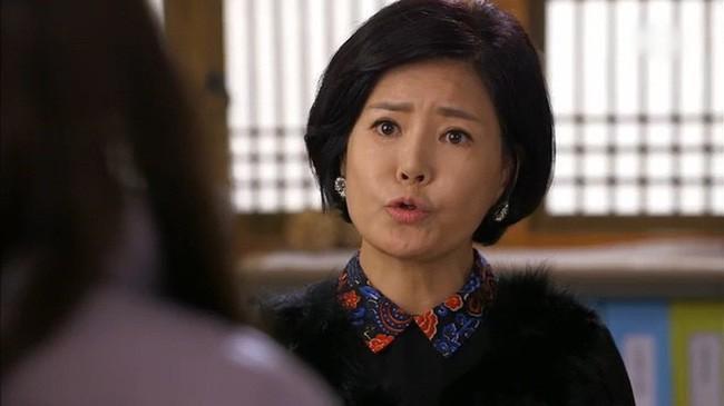 "Thong gia toi choi, me chong chi chiet ""an hai khong biet de"""
