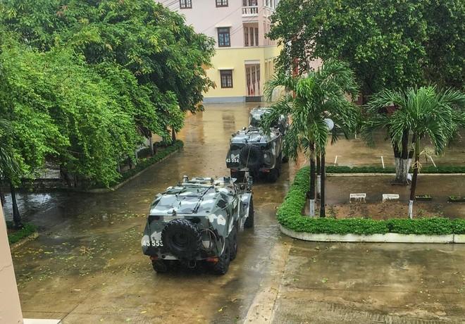 Xe loi nuoc BTR-152 ung pho bao so 9 o Da Nang