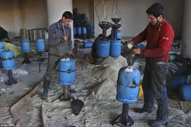 Dot nhap lo vu khi phien quan Syria, kinh hoang nhung thu ben trong-Hinh-15