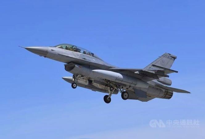 Phi doi F-16 Dai Loan dung hoat dong sau tai nan lien tiep