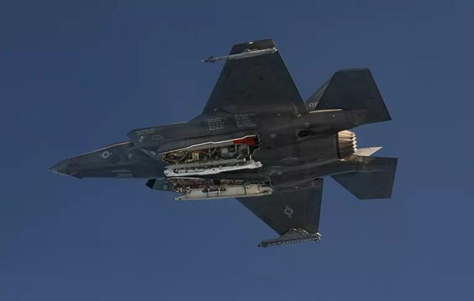 Can canh tiem kich F-35 tha bom hat nhan canh bao Trung Quoc-Hinh-2