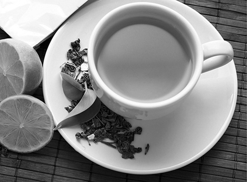 Nguoi mác benh tim có duọc uóng trà xanh?
