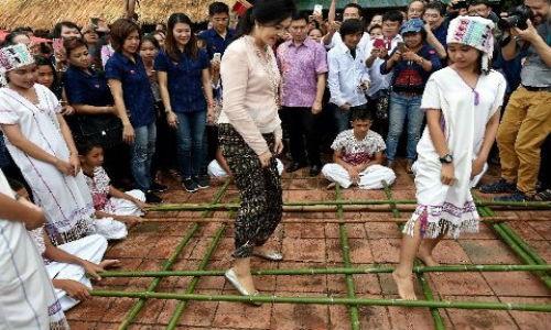 """Cuu Thu tuong Thai xinh dep Yingluck tung """"vu khi"""" dac biet-Hinh-2"""