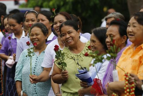 """Cuu Thu tuong Thai xinh dep Yingluck tung """"vu khi"""" dac biet-Hinh-4"""