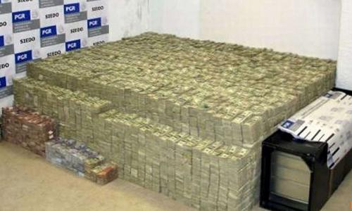 Mexico tich thu 2 tan tien 100 USD cua doanh nhan goc Hoa