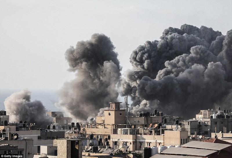 """Israel-Hamas doi dau, Dai Gaza hung du """"mua bom bao dan"""""""